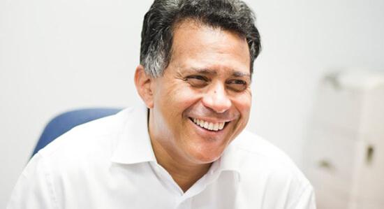 Dr Steve Raymond, Gynaecologist